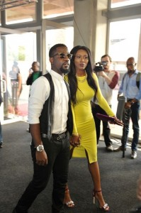Sarkodie spotted with long time girlfriend, Tracy in South Africa