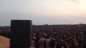 Liberians sing along with R2Bees, word for word