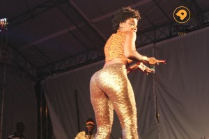Becca shakes her ass on stage in Brazil and boys start to go Gaga