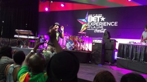 Sarkodie performs Pizza and Burger live at the BET Experience at L.A. Live