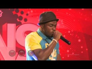 M.anifest salutes new rapper during Vodafone Icons: Remix Edition in Kumasi