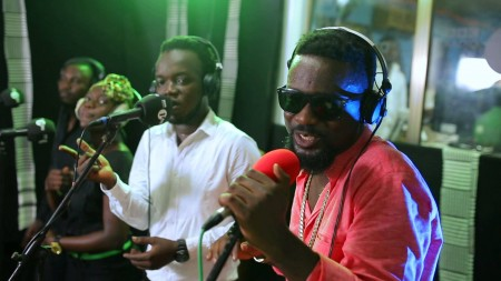 Sarkodie performs Adonai with Live Band on BBC 1Xtra