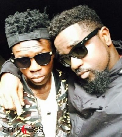 VIDEO: Sarkodie Officially Signs Strongman to Sarkcess Music Label