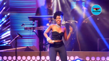 VIDEO: MzVee performs at Becca UNVEILED