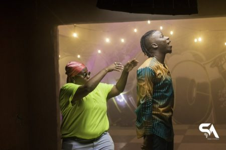 Stonebwoy – Ololo ft. Teni (Official Video)