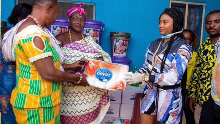 Queen eShun donates to people of Gomoa Afransi To Prevent Covid-19